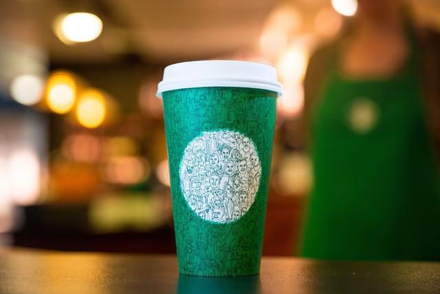 [Chuyện thương hiệu] Những chiếc cốc khiến nhiều người nổi giận của Starbucks - Ảnh 2.