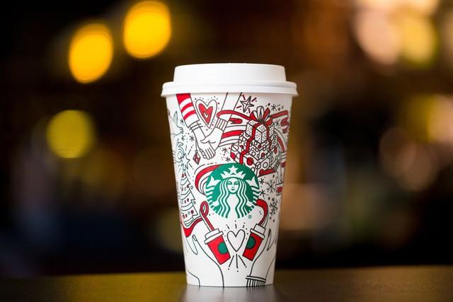 [Chuyện thương hiệu] Những chiếc cốc khiến nhiều người nổi giận của Starbucks - Ảnh 3.