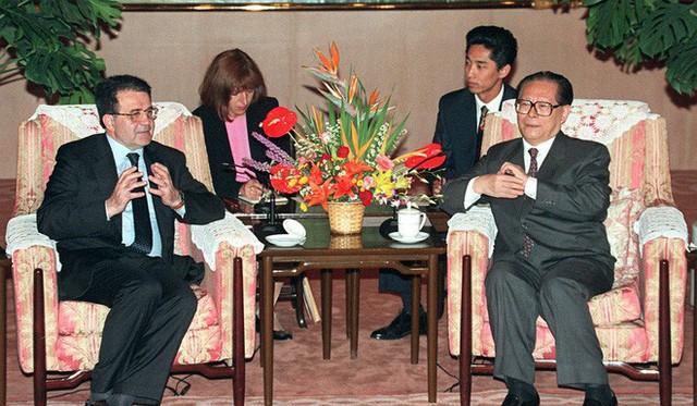 Sự trỗi dậy không thể đảo ngược của TQ và tham vọng chiêu mộ Maradona của Đặng Tiểu Bình - Ảnh 1.