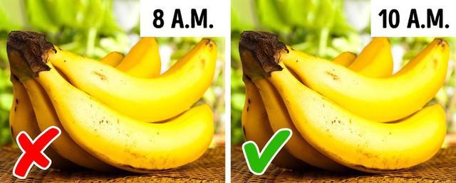 8 loại thực phẩm có thể gây hại cho sức khỏe nếu bạn ăn chúng sai thời điểm - Ảnh 1.