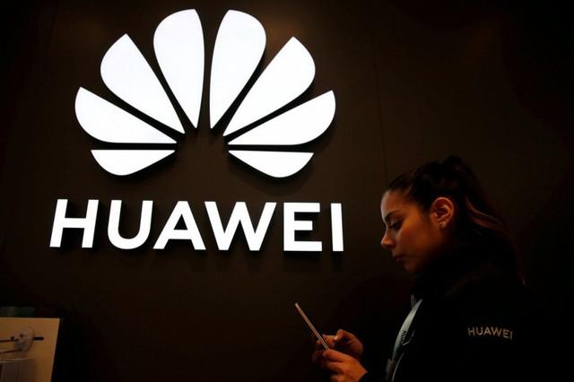 Nghị sĩ Mỹ ngăn Tổng thống Trump giảm nhẹ trừng phạt với Huawei - Ảnh 1.