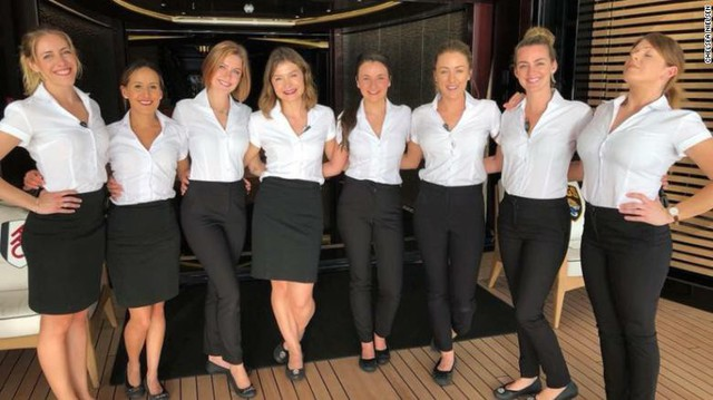 Vén màn cuộc sống làm việc của các tiếp viên trên siêu du thuyền: Mức lương mơ ước 9.000 USD/tháng nhưng phải đáp ứng đủ loại yêu cầu khắt khe! - Ảnh 2.