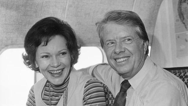 Bí quyết giữ lửa tình yêu của vợ chồng cựu Tổng thống Hoa Kì Jimmy Carter trong suốt 73 năm khiến mọi cặp đôi đều phải nể phục - Ảnh 1.