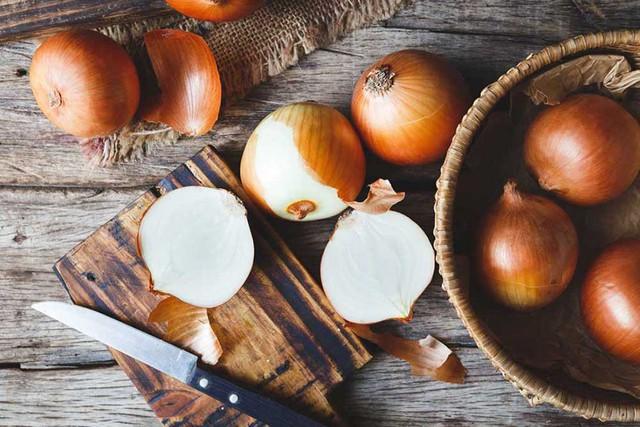 Những thực phẩm quen thuộc khi cất trong tủ lạnh sẽ vừa gây mùi, vừa gây hại cả sức khỏe - Ảnh 3.