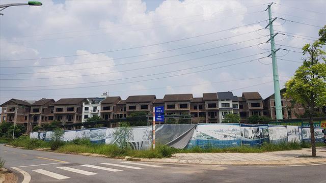 Tràn lan khu đô thị, biệt thự bỏ hoang: Điểm mặt biệt thự 'ma'