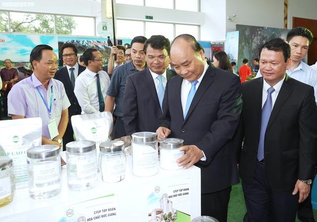 Chùm ảnh: Thủ tướng dự Hội nghị xúc tiến đầu tư, thương mại, du lịch Lào Cai - Ảnh 4.