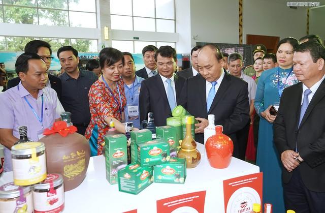 Chùm ảnh: Thủ tướng dự Hội nghị xúc tiến đầu tư, thương mại, du lịch Lào Cai - Ảnh 5.
