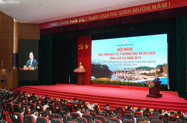 Chùm ảnh: Thủ tướng dự Hội nghị xúc tiến đầu tư, thương mại, du lịch Lào Cai - Ảnh 9.