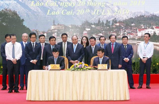 Chùm ảnh: Thủ tướng dự Hội nghị xúc tiến đầu tư, thương mại, du lịch Lào Cai - Ảnh 10.