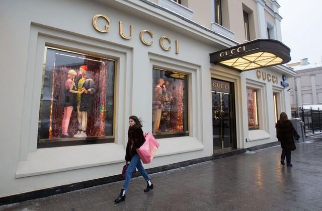 [Chuyện thương hiệu] Gucci và cuộc chiến khốc liệt giữa 2 ông trùm hàng hiệu - Ảnh 2.