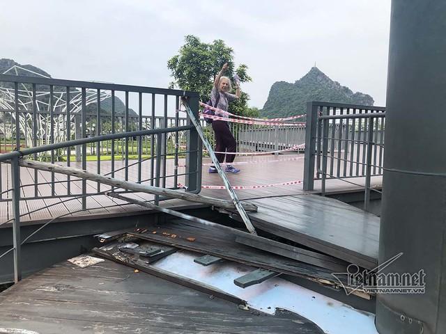 Công viên hiện đại ở Quảng Ninh, cầu đi bộ thành nơi ươm nấm - Ảnh 3.
