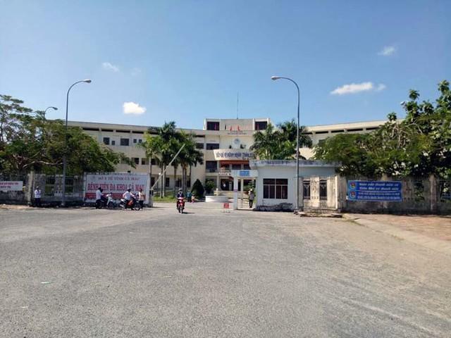 Nguyên Phó giám đốc bệnh viện tỉnh Cà Mau bị đuổi việc - Ảnh 1.