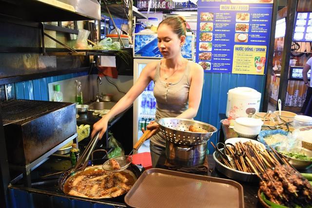 Kinh tế đêm Sài Gòn trong mắt du khách quốc tế - Ảnh 2.