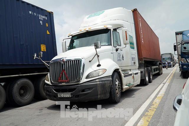 Cận cảnh bẫy tử thần trên quốc lộ 5 - Ảnh 11.
