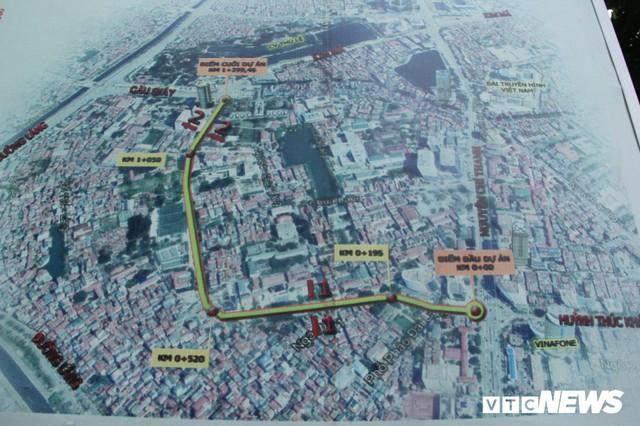 Ảnh: Con đường quan trọng trung tâm Thủ đô rục rịch thi công sau 15 năm đắp chiếu - Ảnh 1.