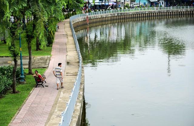 Từng đen thối như sông Tô Lịch, kênh Nhiêu Lộc khét tiếng giờ ra sao? - Ảnh 4.