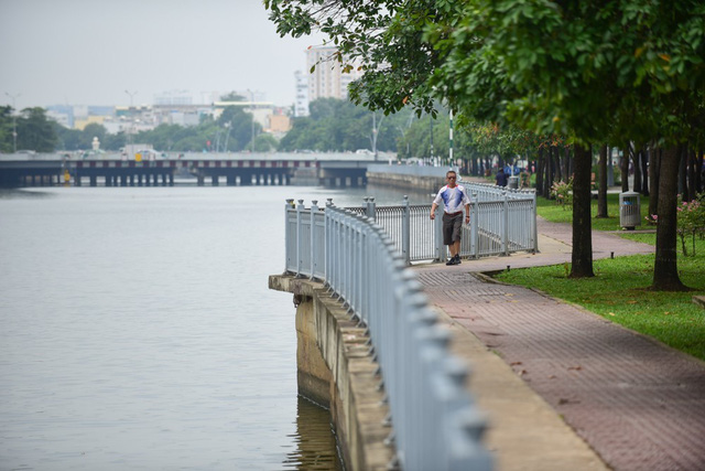 Từng đen thối như sông Tô Lịch, kênh Nhiêu Lộc khét tiếng giờ ra sao? - Ảnh 5.