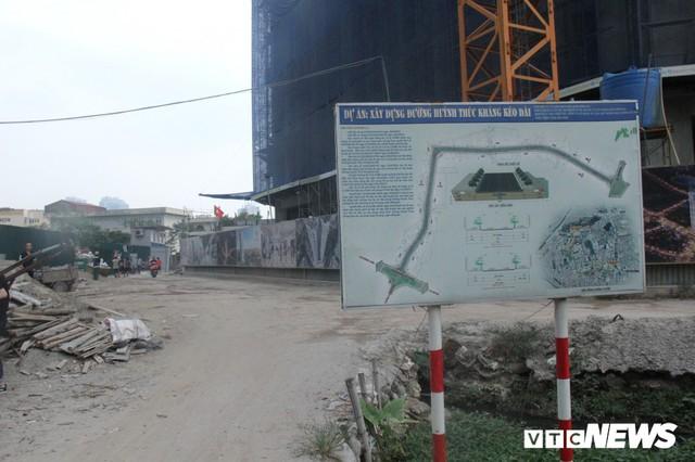 Ảnh: Con đường quan trọng trung tâm Thủ đô rục rịch thi công sau 15 năm đắp chiếu - Ảnh 6.