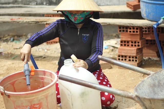 Bình Định đưa xe chữa cháy tiếp nước sinh hoạt cho người dân - Ảnh 10.