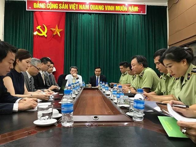 Chưa có mặt ở Việt Nam, Uniqlo đã bị làm giả, làm nhái - Ảnh 1.