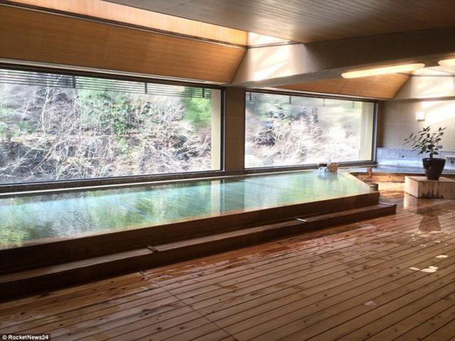 Khách sạn của người Nhật gây sốc cho cả thế giới: Mở cửa đón khách trong suốt 1.314 năm, đặc biệt nhất là những người chủ - Ảnh 8.