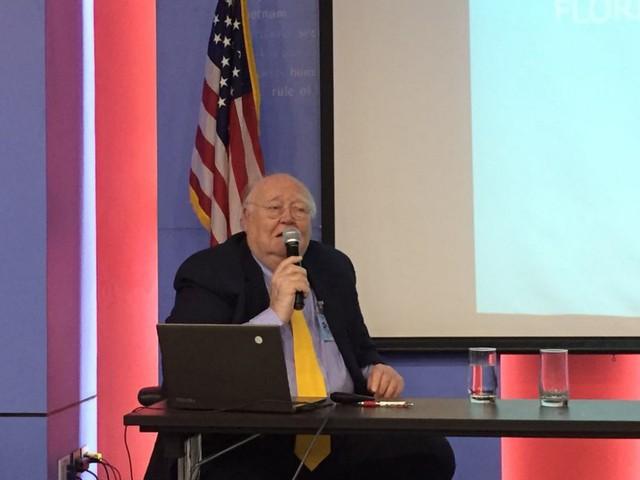 Giáo sư Mỹ phân tích yếu tố quyết định trong cuộc đua vào Nhà Trắng năm 2020 - Ảnh 1.