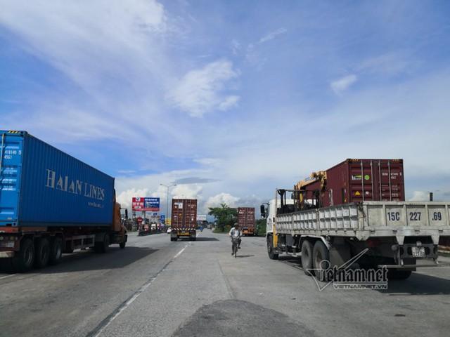 Xe tải lật chết 5 người ở Hải Dương, Trung tá CSGT nói lý do tài xế giật mình - Ảnh 3.