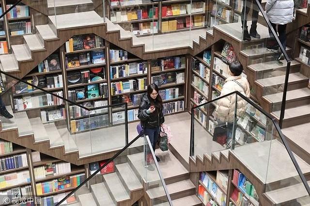 Ngắm kiến trúc nhà sách tuyệt đẹp nguy nga như cung điện - Ảnh 3.