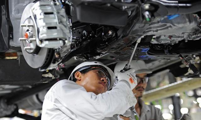 Chuyên gia Thái Lan chỉ ra chiến lược khôn ngoan để công nghiệp ô tô Việt Nam cạnh tranh trong khu vực và đường đi của Vinfast - Ảnh 1.
