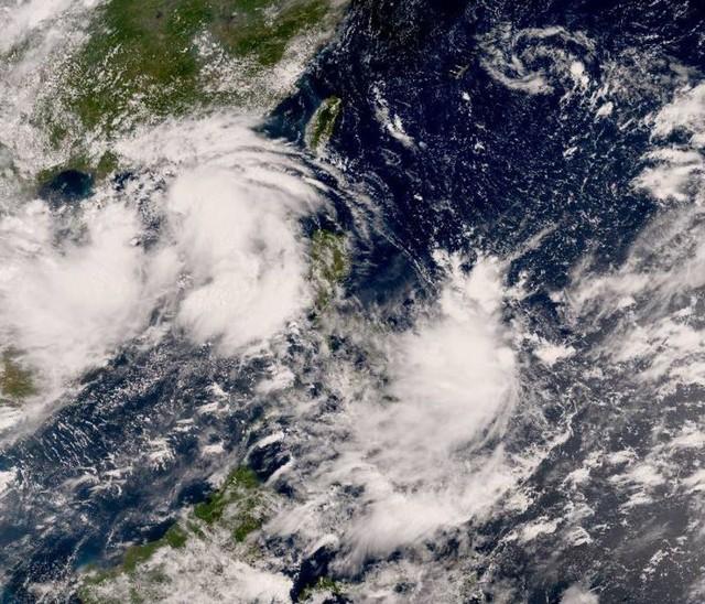 Lần đầu trong gần 2 năm, chứng khoán Hồng Kông phải đóng cửa sớm vì bão - Ảnh 1.