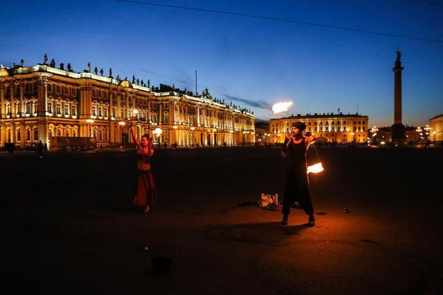 Chiêm ngưỡng đêm trắng độc đáo ở nước Nga - Ảnh 8.