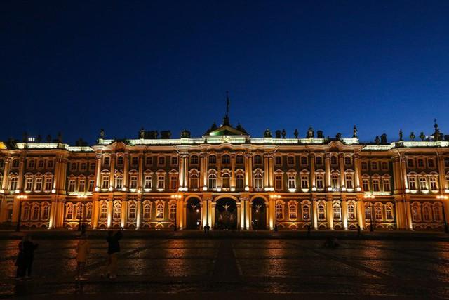 Chiêm ngưỡng đêm trắng độc đáo ở nước Nga - Ảnh 9.