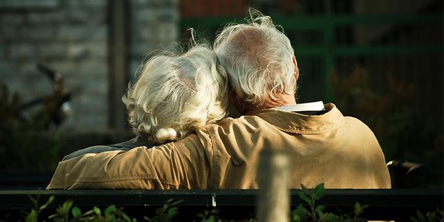 Phỏng vấn những cụ già 90 tuổi về điều hối tiếc nhất trong cuộc đời, biết được câu trả lời, tôi ngộ ra bài học để có cuộc sống hạnh phúc, không hối tiếc nhất - Ảnh 3.