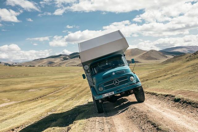Gia đình nhỏ 3 người đi du lịch khắp nơi trên chiếc xe tải nhỏ, xem xong dân tình chỉ biết thốt lên: Cuộc đời tự do nhất chính là thế này đây! - Ảnh 17.