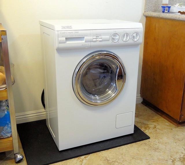 Sai lầm khiến máy giặt có nguy cơ cháy nổ, ảnh hưởng đến tính mạng - Ảnh 1.