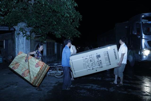Toàn cảnh vụ cháy rừng thông ở Hà Tĩnh, lực lượng chức năng trắng đêm canh rừng - Ảnh 10.