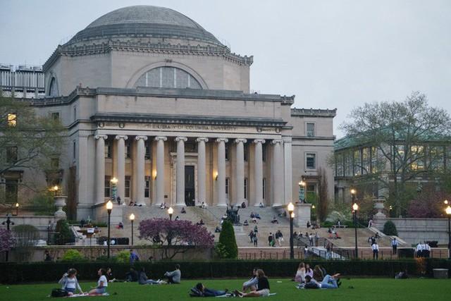 20 trường đại học sản sinh nhiều người siêu giàu nhất thế giới - Ảnh 17.