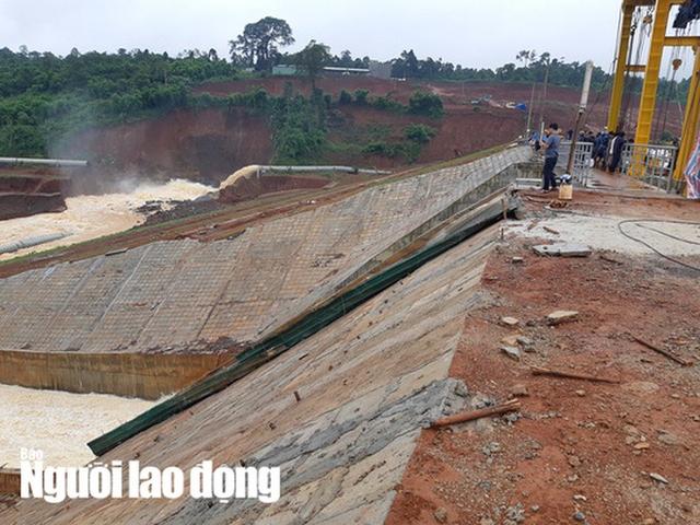 Cận cảnh giải thoát bom nước thủy điện Đắk Kar  - Ảnh 5.