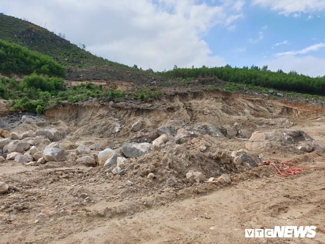 Ảnh: Dân dựng lều trại, ngăn cản thi công lò đốt rác ở Quảng Nam - Ảnh 9.