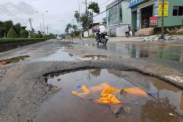 Cuộc sống người dân Phú Quốc bị đảo lộn trong trận lụt lịch sử - Ảnh 9.
