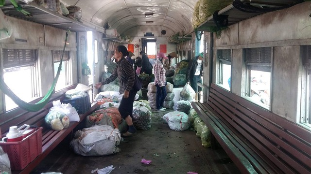 Tàu hỏa Yên Viên – Hạ Long: Chạy 320km, doanh thu 3,8 triệu đồng - Ảnh 1.