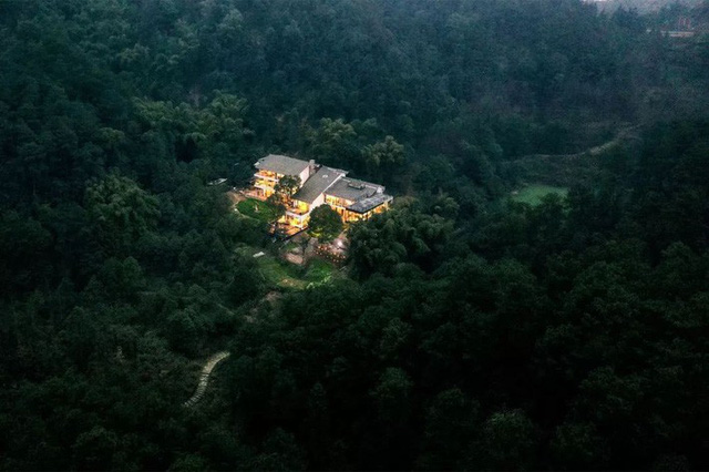 Nữ biên tập viên từ bỏ công việc và ngôi nhà trong thành phố, cùng chồng và bố mẹ sống cuộc đời an nhàn trong ngôi nhà vườn ở ngoại ô - Ảnh 12.