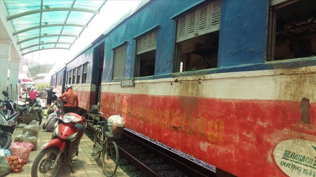 Tàu hỏa Yên Viên – Hạ Long: Chạy 320km, doanh thu 3,8 triệu đồng - Ảnh 4.