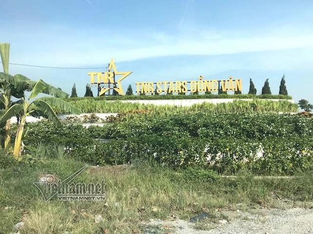 Miếng đất đầy cỏ dại 'chôn' tiền tỷ ở khu đô thị TNR Stars Đồng Văn - Ảnh 1.