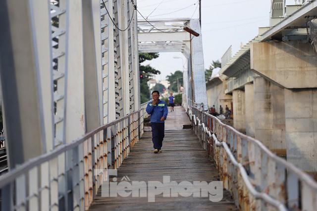 Bay trên cao ngắm cây cầu sắt 117 năm tuổi ở Sài Gòn sắp tháo dỡ - Ảnh 18.