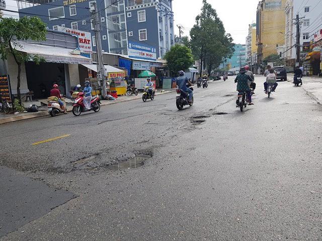Đường trên đảo Phú Quốc bị tàn phá nghiêm trọng sau trận lụt lịch sử  - Ảnh 4.