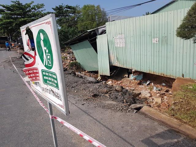 Đường trên đảo Phú Quốc bị tàn phá nghiêm trọng sau trận lụt lịch sử  - Ảnh 6.
