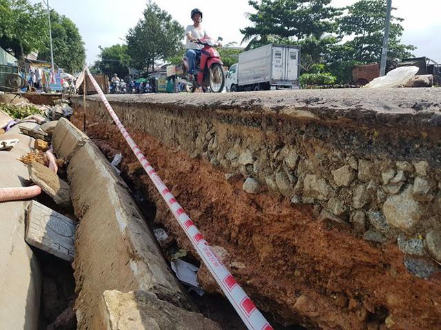 Đường trên đảo Phú Quốc bị tàn phá nghiêm trọng sau trận lụt lịch sử  - Ảnh 8.