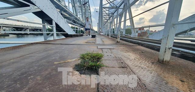 Bay trên cao ngắm cây cầu sắt 117 năm tuổi ở Sài Gòn sắp tháo dỡ - Ảnh 8.