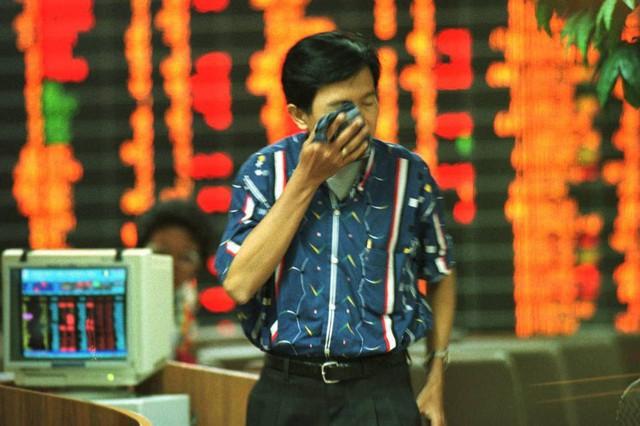 Tháng 8 đầy biến động của thị trường tài chính: Những gì đang diễn ra giống với thời điểm tiền khủng hoảng năm 1999 hay 2007? - Ảnh 1.